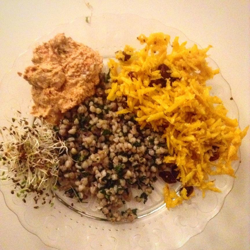 Salade de betteraves jaunes au curcuma et auxcanneberges