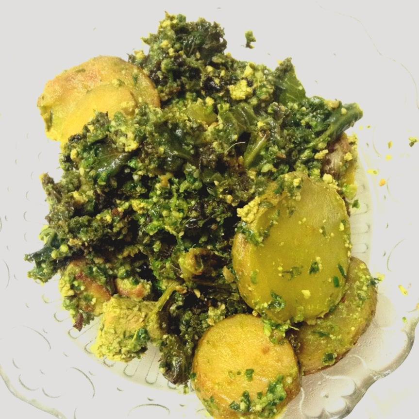 Poêlée de chou kale, pommes de terre et tofu au pesto d'ail desours