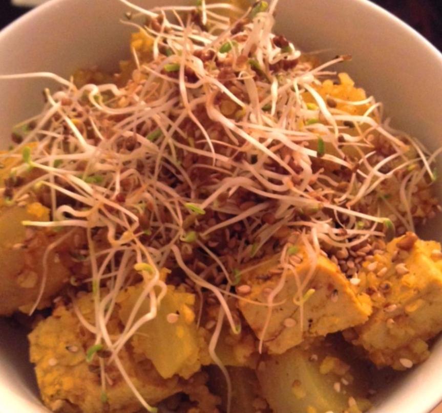 Salade de betterave blanche & tofu au gingembre et aucurcuma