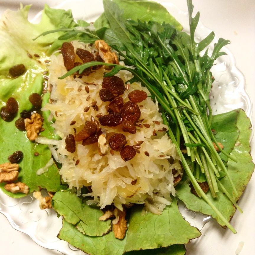 Tartine chaude sucrée salée à la betterave, choucroute etroquette