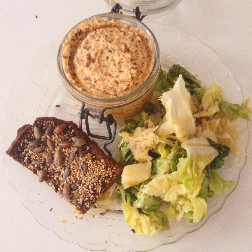 Craquelins aux graines et tartinade carottes – amandes authym
