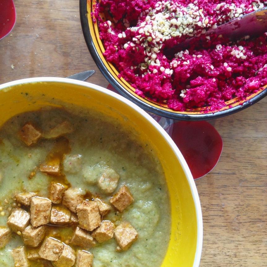 Dip de betterave au raifort et  soupe de courgette crue au lait decoco