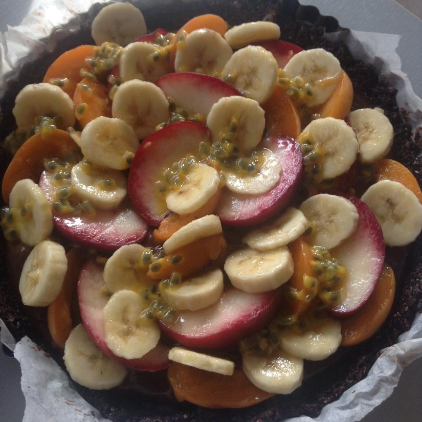 Tarte au chocolat et aux fruits (cru, sans gluten & sanssucre)