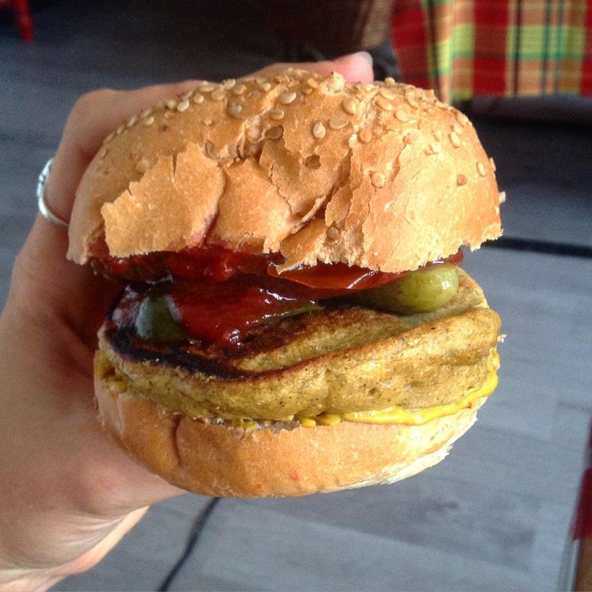 Burgers de farine de pois-chiche (vegan, sansgluten)