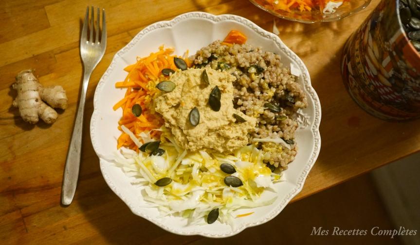 Assiette de sarrasin au houmous et vinaigrette augingembre